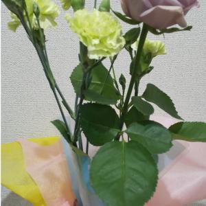 切り花をコツいらずで綺麗に瓶にさす方法
