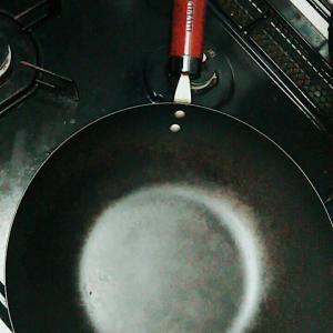 フッ素加工がはがれちゃう??鍋・フライパンは使い捨て?鉄鍋がオススメやで!
