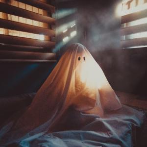 幽霊の日、落ち込んで