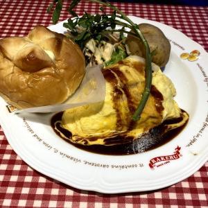 オムライスのお店ラケル 海老と蟹のトマトクリームオムライス1280円といちごチーズタルト
