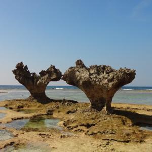 沖縄の海の見えるオススメ観光スポット「ハートロック」ほか