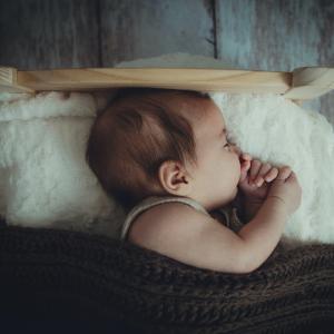 赤ちゃんと私の睡眠をかけた頭脳戦の記録