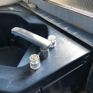 シャワー・バス水栓を外すとどうなっているのか?普段見れない水廻りの裏側…3