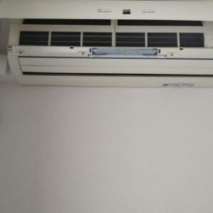 リビングの気を清浄に!エアコンのフィルターと扇風機のお掃除