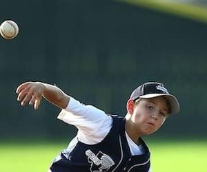 少年野球のピッチャーに多い【肘下がり】のタイプとその原因について