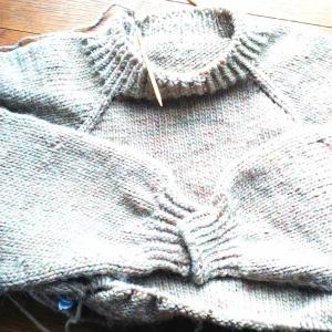 私のトップダウンの編み方の順番が違う訳