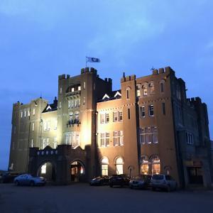 現代に蘇ったアーサー王の城! キャメロット城ホテル Camelot Castle Hotel in Tintagel