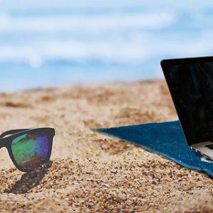 パソコンの夏対策・トラブルが起きる前に事前の対処方法とグッズを紹介