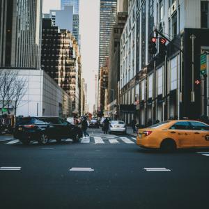 若者ドライバーは海外のタクシー運転手事情を知るべきである