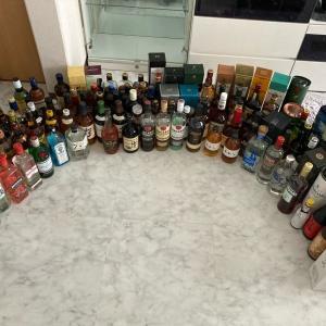 圧感。家のお酒全部並べてみた