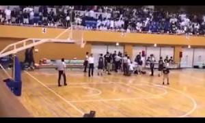 【神対応】バスケ選手審判を殴る 延岡学園の選手に殴られた審判員がかけた言葉