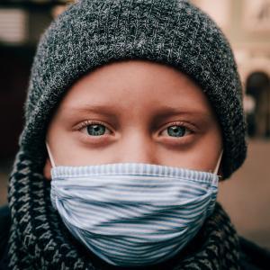 マスクに関する英語表現-眼鏡が曇らない方法とは?【英語日記から学ぶ】