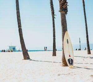 【大人の休日】夏サーフィンの贅沢な1日紹介!
