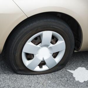 車 パンク応急修理キットを使用する前の注意点!失敗から学んだことを教えます。