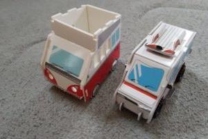 簡単に作れる車のおもちゃ ☆ Seria(セリア)の手作りキット【救急車・キャンピングカー】