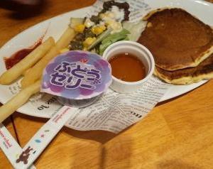 平日キッズのパンケーキが無料なレストラン☆RRainbow ダブルレインボー