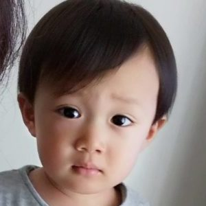 男の子の髪の毛セルフカット【1歳9ヵ月】感想と1歳の子どもの髪の毛の成長記録