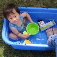 おうちで子どもと水遊び【お手軽に準備できて片付けも簡単】事前に蚊の対策も!