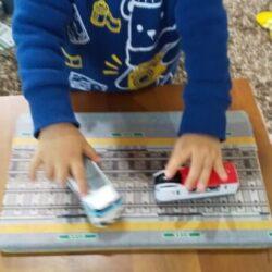 キャンドゥ【遊べるマスキングテープ】線路や駅ホームの柄が本格的!子供のおもちゃにオススメ