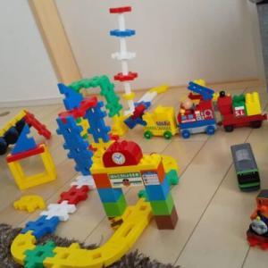 子供が真剣に楽しく遊べるオススメ知育玩具【ニューブロック】創造力の養成に!