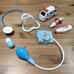 Seriaのおもちゃ【お医者さんセット】2歳の子供でもお医者さんごっこを楽しめる
