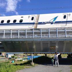 東海道新幹線が間近で高速通過【相模川橋梁】新幹線の迫力を体感できるおすすめビュースポット