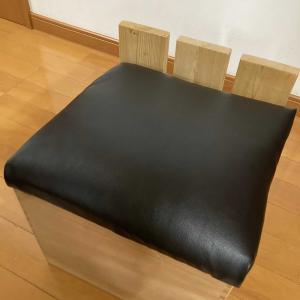 DIY  木箱を椅子にリメーク