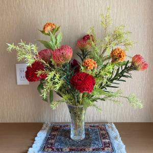 玄関に花を飾る テキトーですけど💦