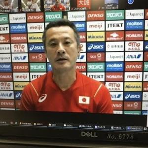 バレーボール男子日本代表の中垣内祐一監督(52)が14日、代表合宿の練習後にオンラインで報道陣の取材に応じ、年内の国際試合中止で「強化に穴が開いた」と、厳しい…