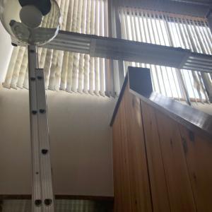 秋田市の住宅の吹抜け階段でブラインド工事!