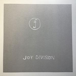 ジョイ・ディヴィジョンのスティル2007リマスターには未発表ライブCDが付いている!  Joy Division still