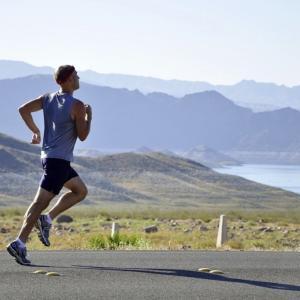 仕事後に走るより、朝(仕事前)走るほうが体が動く件について。