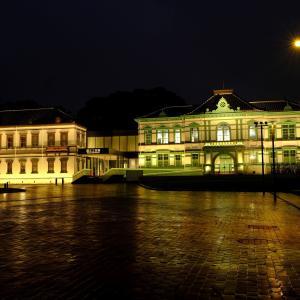 雨上がりの国立工芸館