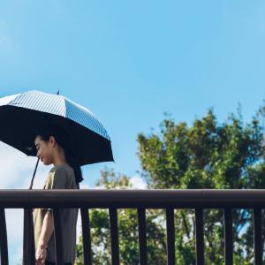 おすすめ人気日傘!『サンバリア100』の完全遮光で紫外線防止と自然なソーシャルディスタンスを