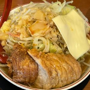 豚山 町田店 ~二郎インスパイア系で濃い味・太麺・ボリュームたっぷり【町田】【ラーメン】 ~ 大ぶたダブル・全マシ・生玉子・とろけるチーズをいただきました