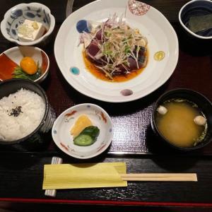 別亭 鳥茶屋 ~ 親子丼で有名な関西料理の老舗【神楽坂】【ランチ】 ~ 鰹のたたき定食
