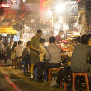 香港人の胃袋を支えてきた伝統の屋台 in 深水埗