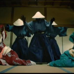 【Quick Crew(Strawhatz)】ノルウェーのベトナム傘ヒップホップダンスクルーの動きのキレが半端ない