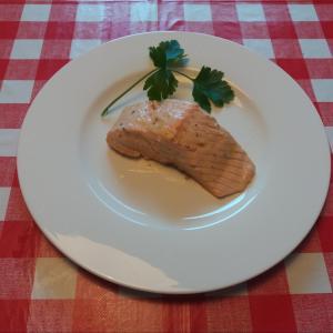 美肌効果抜群レシピ!!レモン風味マリネのサーモン蒸し – かんたんにできるイタリア家庭料理