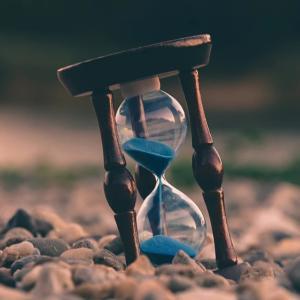 副業したい中年サラリーマン向け 有効な時間の使い方とは?
