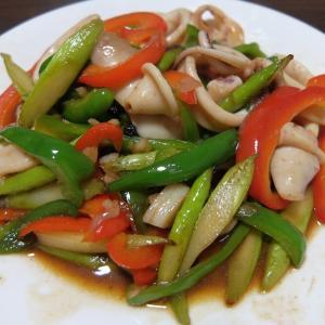 インスタントでアジアンフード(8)イカの胡椒炒め