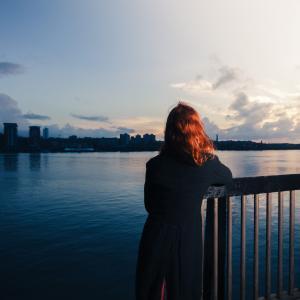 【恋愛がつらい】恋愛で頭がいっぱいなのは、孤独と承認欲求を満たしたいから。