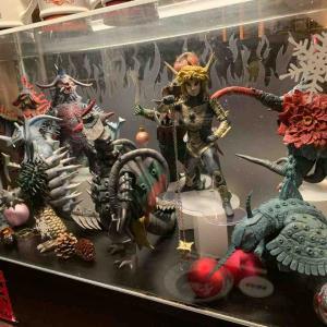クリスマス仕様のフィギュアたち〜怪獣酒場 川崎店・その6