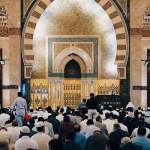 イスラム教のラマダンとは│2020年の期間や基礎知識とコロナウィルスの影響、集団での食事や礼拝で三密警戒、マレーシアの対策