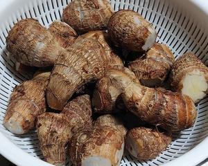 里芋は圧力鍋、薩摩芋はダッチオーブンで簡単に