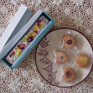 【エディブルフラワー】トロピカル色のパウンドケーキ&クッキーでおうちカフェ