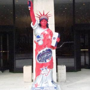 2008 ALL STAR GAME  Statue  of Liberty