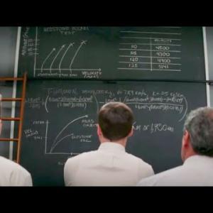 元奴隷の天才がNASAのエリートでも解けない難問をなんなく解いてしまう...大統領勲章を受章した実在の天才を描いた感動作【映画紹介】