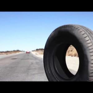 このタイヤに出くわしたら逃げろ。エグすぎる能力が人類滅亡レベルだった【10分映画】