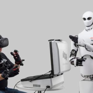 ファミマ、遠隔操作ロボットを一部店舗に導入 商品の検品・陳列を効率化 今夏から
